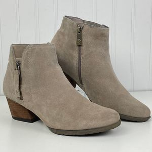 Blondo Ibiza Waterproof Suede Tan Ankle Bootie 8.5